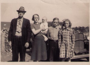 The Reginald Nanney family in 1941 before brother Dean was born in 1950